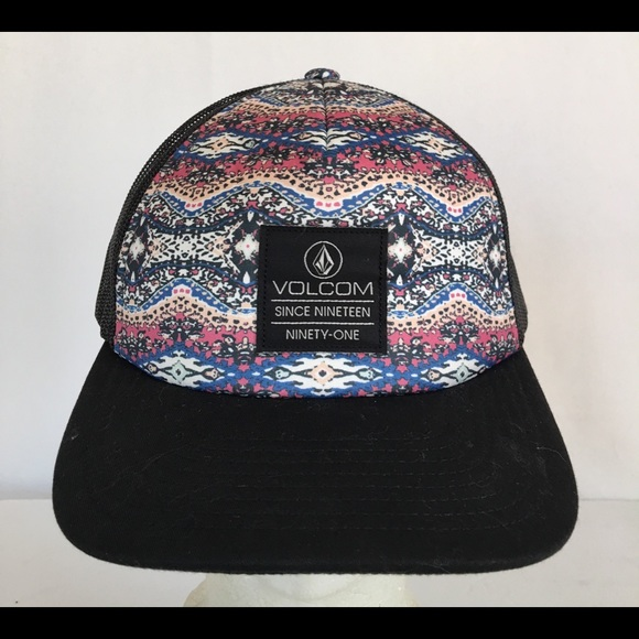 Volcom Junior  Nacho  Tucker Hat. M 5a42ba9a2ae12f179906500c f5c6bb22c4b0